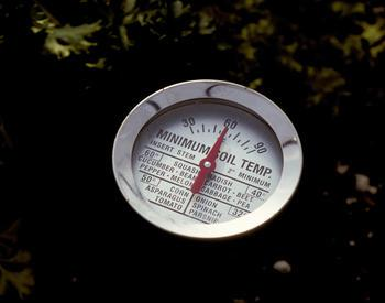 Minimum soil temperature thermometer