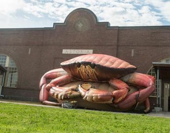 inflatable crab in Astoria