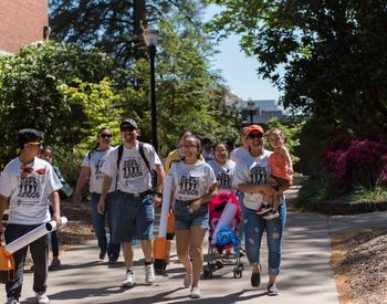 students and families on Oregon State University campus